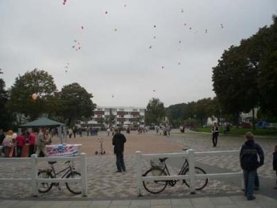 Ballonaktion Kirchsteinbeker Marktplatz 15