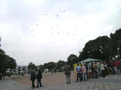Ballonaktion Kirchsteinbeker Marktplatz 20