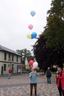 Ballonaktion Kirchsteinbeker Marktplatz 9