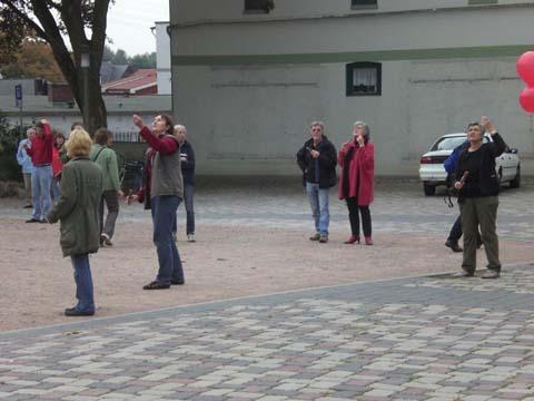 ballonaktion_kirchsteinbeker_marktplatz_4_20070923_1041484959.jpg