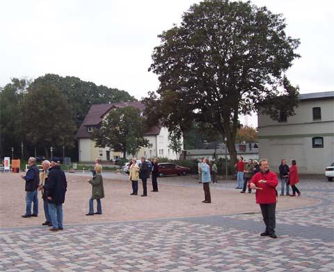 ballonaktion_kirchsteinbeker_marktplatz_8_20070923_1202897968.jpg