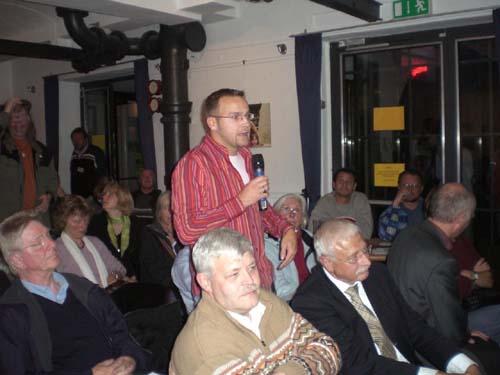 podiumsdiskussion_bilder_von_thomas_ritter_21_20071011_1803531526.jpg