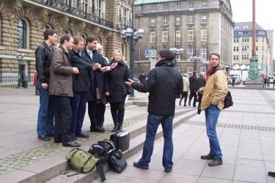 Pressetermin vor dem Hamburger Rathaus 4